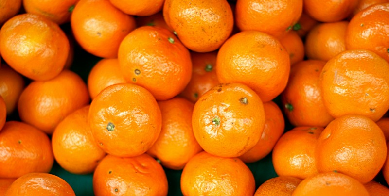 Tangerine pile at a French market