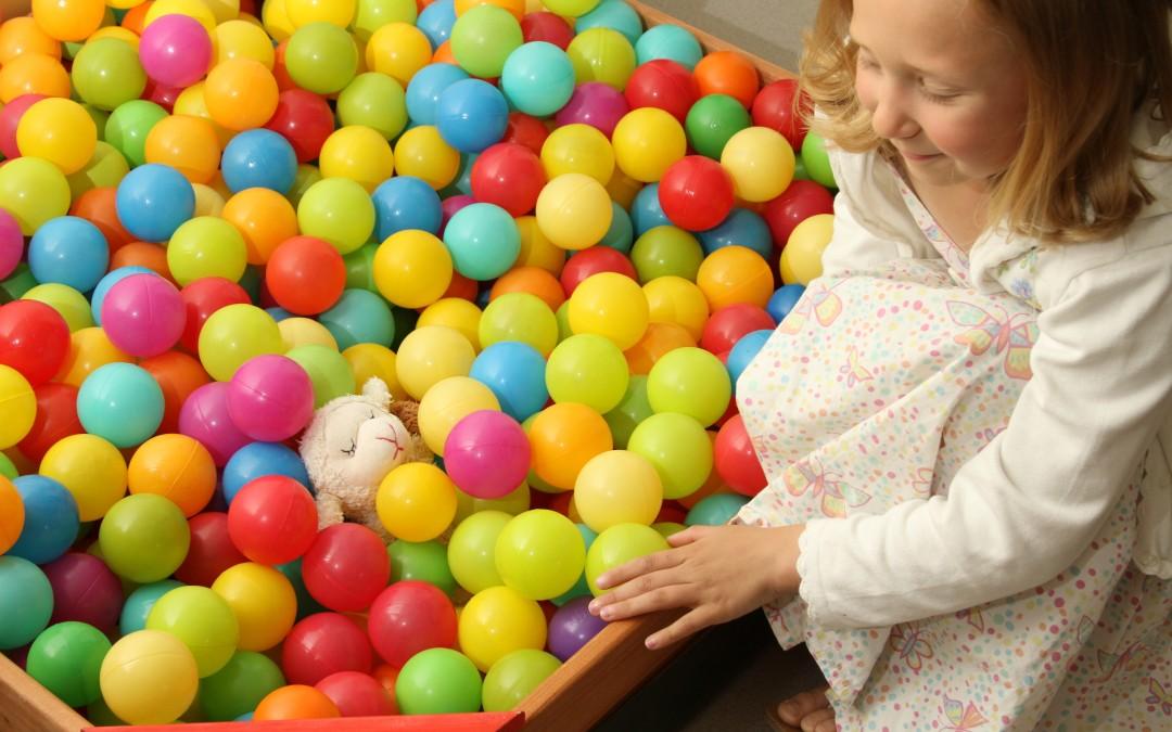 isis-shipley-bradford-event-photography-child-ballpool
